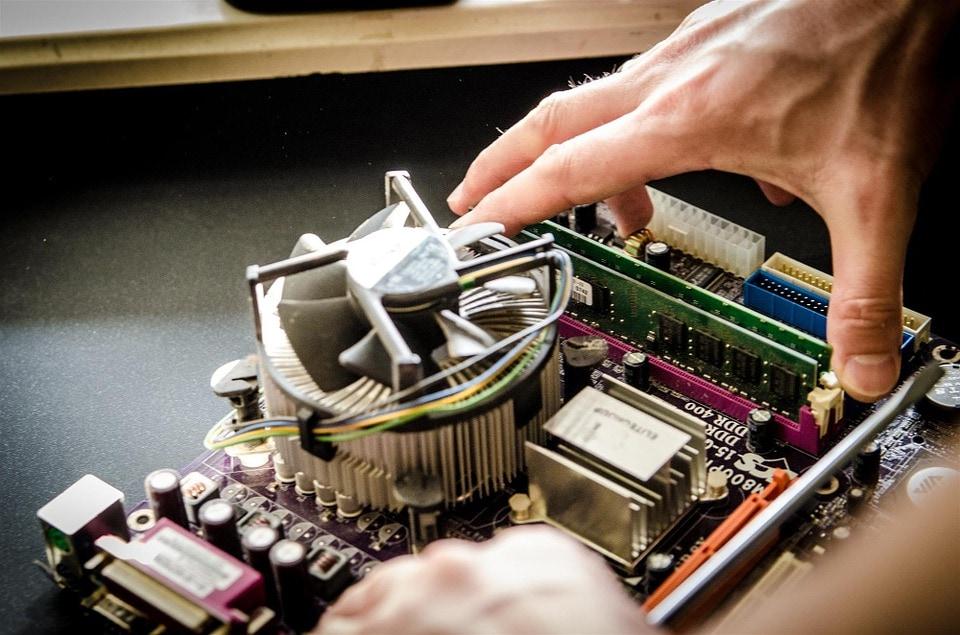 Technicien / Technicienne de maintenance en informatique